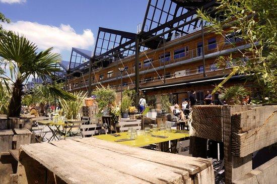 Les petites gouttes paris restaurant avis num ro de - Hotel avec piscine pres de paris ...