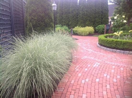 Wequassett Resort and Golf Club: Gardens
