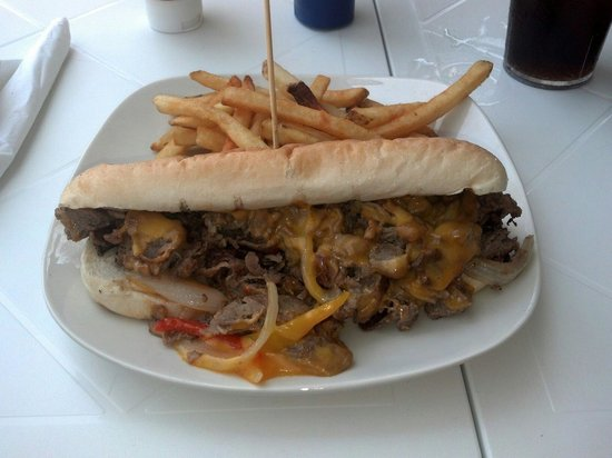 Mojo's on the Harbor: Philly cheese steak