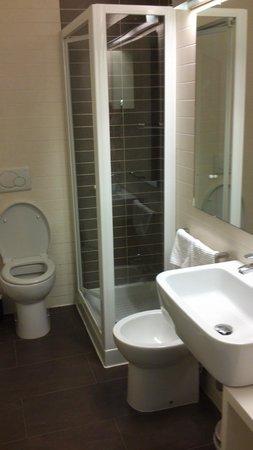 Urban Hotel Design: Bathroom