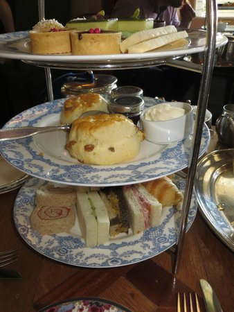 Tea at the Empress : Finger sandwiches and pastries