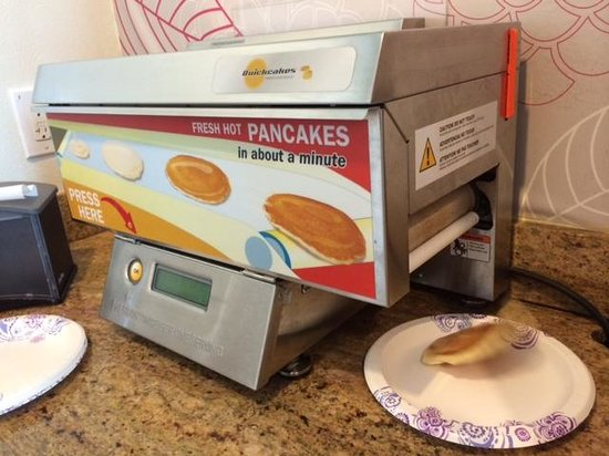 Best Western Woodland Hills: The Pancake Machine