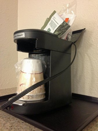 La Quinta Inn & Suites Brunswick : coffee maker