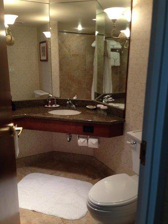 Victoria Marriott Inner Harbour : Lovely washroom