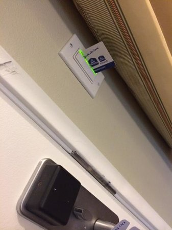 BEST WESTERN Woodland Hills Inn: Room key slot