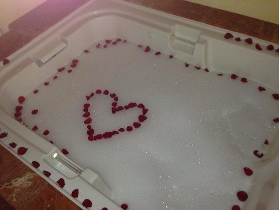 The Royal Playa del Carmen : Evening hot tub