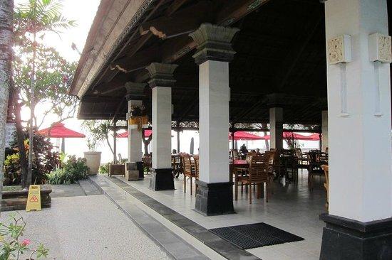 Vila Shanti Beach Hotel : Restaurant
