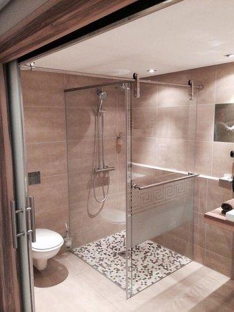 Parkhotel Oberhausen: Super tolle Dusche!