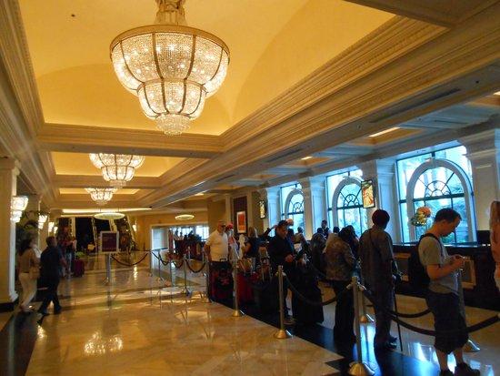 Monte Carlo Resort & Casino : The front desk
