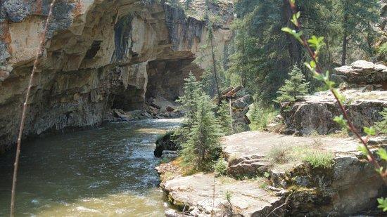 Piedra River Trail: Piedra river in box canyon