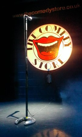 The Comedy Store: Front Row!! :)