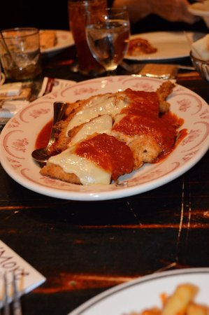 Maggiano's Little Italy : Chicken Parmesan