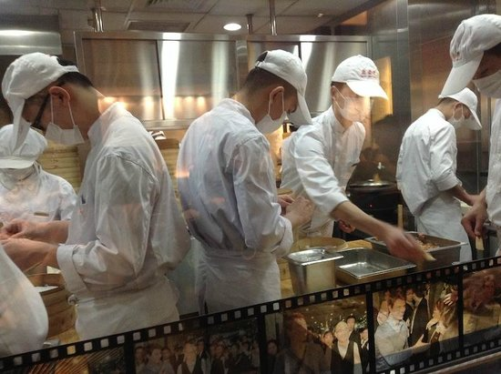Din Tai Fung (Nanjing West Road): Steamed, so not greasy, delicate packets of vegetables