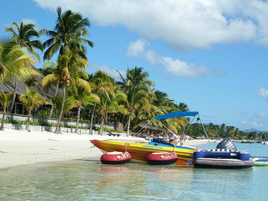 Trou aux Biches Beachcomber Golf Resort & Spa: Hotel beach