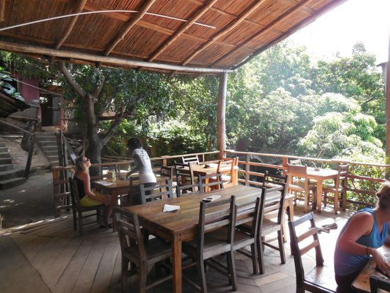 Mayoka Village: Restaurant and communal space