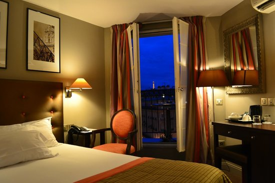 Hotel WO - Wilson Opera: Room 503 and its view