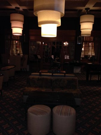 Plough and Harrow Hotel: Bar area