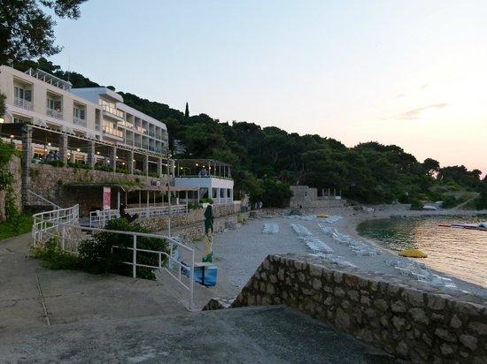 Hotel Vis: hotel beach and restaurant