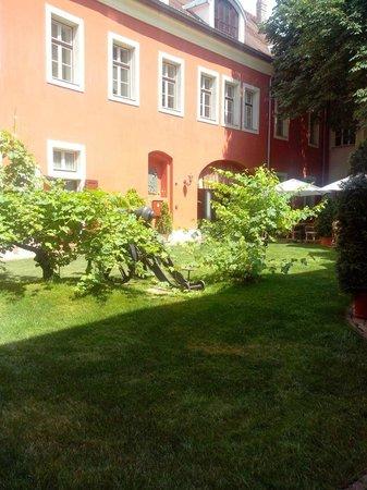 St. George Residence: Innenhof2