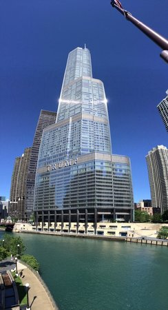 Trump International Hotel & Tower Chicago: The building, view from the river