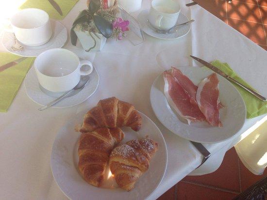 Hotel Tirrena : Colazione