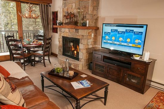 Antlers at Vail: Living and dining areas of recently upgraded 1 bedroom with bunks