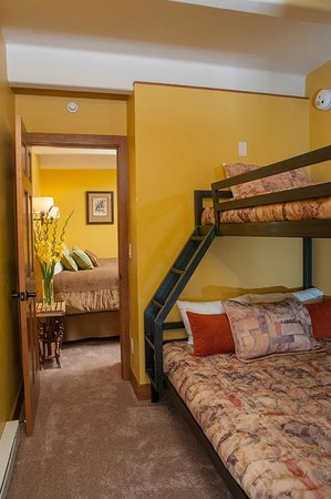 Antlers at Vail: Bunk room of recently upgraded 1 bedroom with bunks