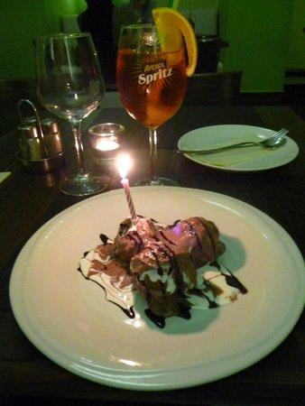 Ristorante Pizzeria Leonessa : Dessert - yummy profiteroles with birthday candle!