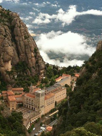 Day Trips Barcelona: Santa Maria de Montserrat and Clouds