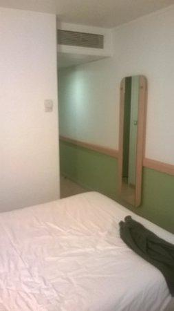 Ibis Budget Paris Porte d'Aubervilliers: chambre 1