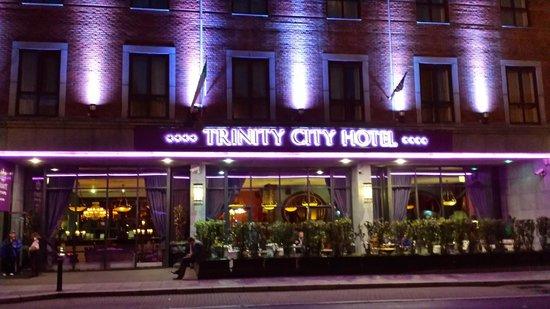 Trinity City Hotel: Street view.