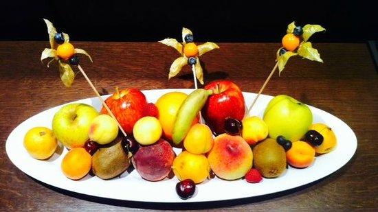 Ibiza Gran Hotel: Arrival fruit basket