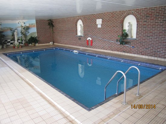 Lantern Lodge: Indoor Pool