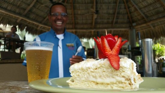 Flamingo Beach Resort And Spa: The tres leches cake! SO GOOD.