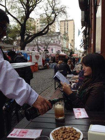 Bar Plaza Dorrego San Telmo: Recomendo ao domingo de manhã