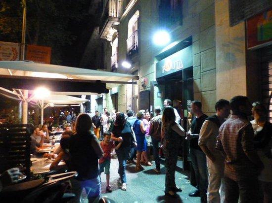 La Flauta: Flauta Restaurant - Lines of People Waiting