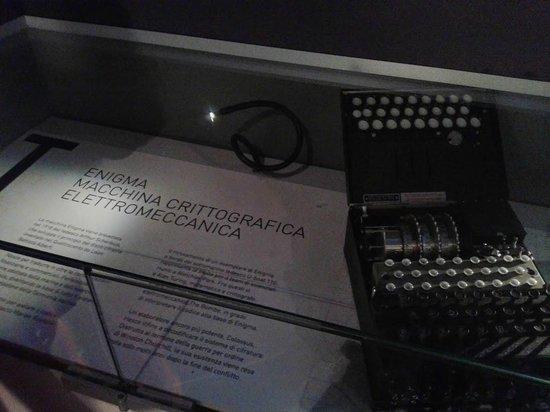 Museo della Scienza e della Tecnologia Leonardo da Vinci : Riproduzione di Enigma