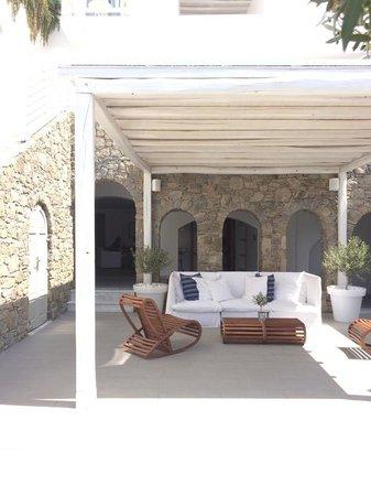Grace Mykonos Hotel: Welcome area