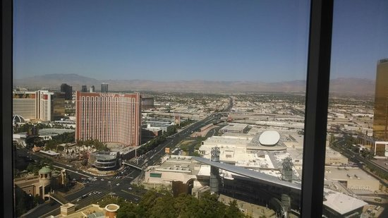 Wynn Las Vegas: View from our King Panorama Room