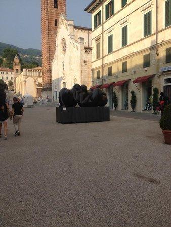 Locanda al Colle : More art in Pietrasanta