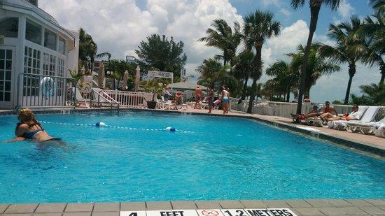 Grand Plaza Beachfront Resort Hotel & Conference Center: The pool