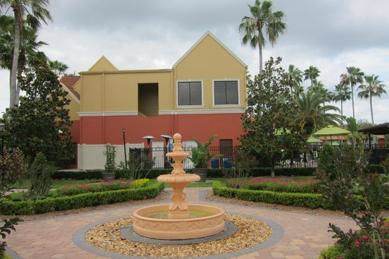 Legacy Vacation Resorts: Fountain Courtyard