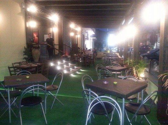 Morrison Pub & Grill: Sala esterna
