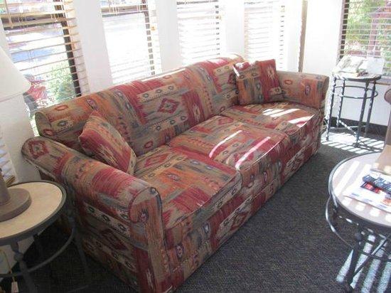 Sedona Pines Resort : Sofa