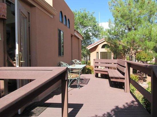 Sedona Pines Resort : Deck