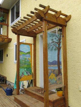Sundial Bed & Breakfast: back entrance