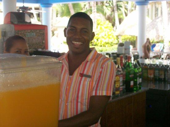 ClubHotel Riu Bambu: Pasquale great bartender