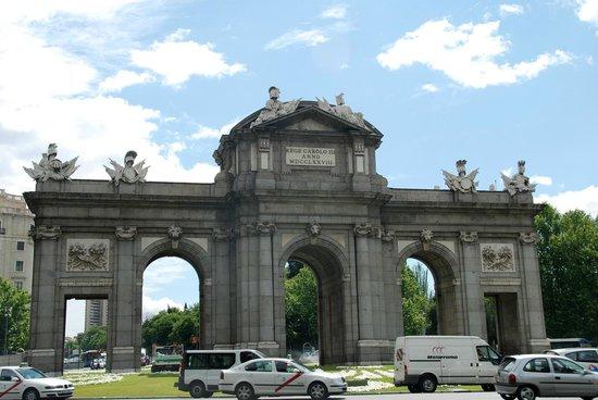 puerta de alcala an imposing monument picture of puerta de rh tripadvisor com