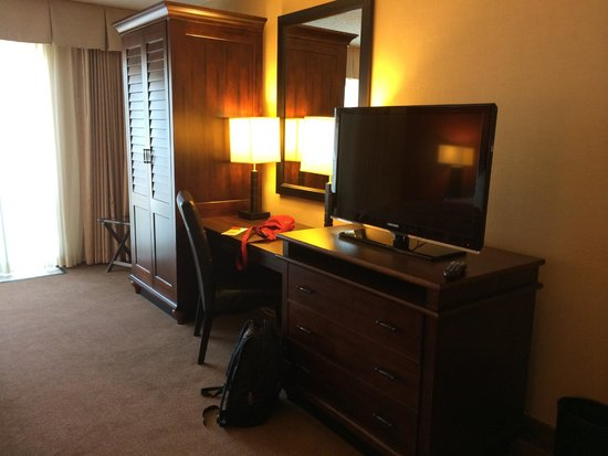 Embassy Suites by Hilton Indianapolis - North: Bedroom