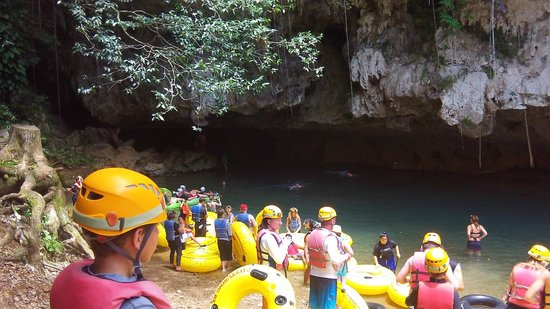 Cave Tubing with Vitalino Reyes: Cave tour